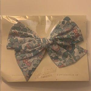 Wunderkin Co. Blue Floral Clip Bow